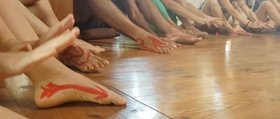 feet hands dt
